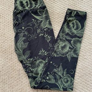 Lularoe green flower legging